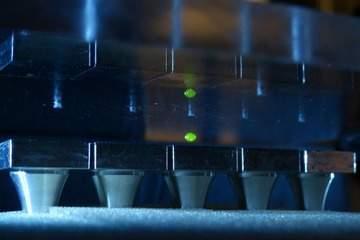 http://gearmix.ru/wp-content/uploads/2013/07/acoustic-levitations.jpg