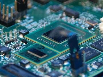 intel-atom-z5xx-20090320-600
