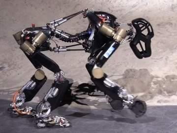 http://gearmix.ru/wp-content/uploads/2013/10/roboape-istruct-demonstrator.jpg