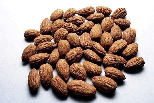 Almond_Nuts