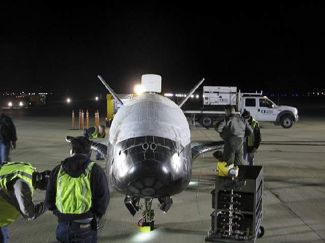 X-37B_completes_1st_flight_dec2010