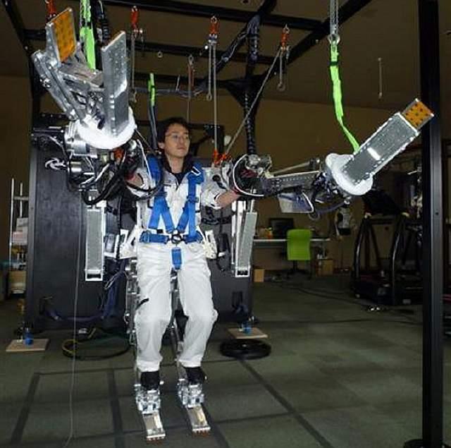 powered-suit-japan-panasonic-01