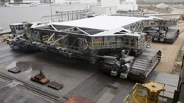 NASA CrawlerTransporter  YouTube