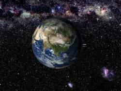 Если вы сложите лист бумаги 103 раза, вы получите стопку бумаги, которая больше нашей Вселенной