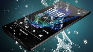 Panasonic-ELUGA-Waterproof-Smartphone-water-1