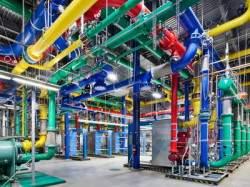 Редкая возможность заглянуть внутрь гигантских дата-центров Google