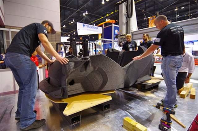 local-motors-one-piece-carbon-fiber-3d-printed-car-body