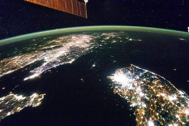 вид земли из космоса в реальном времени