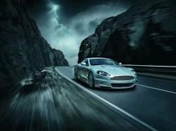 Электромобиль Tesla Model S имеет секретный режим Джеймса Бонда