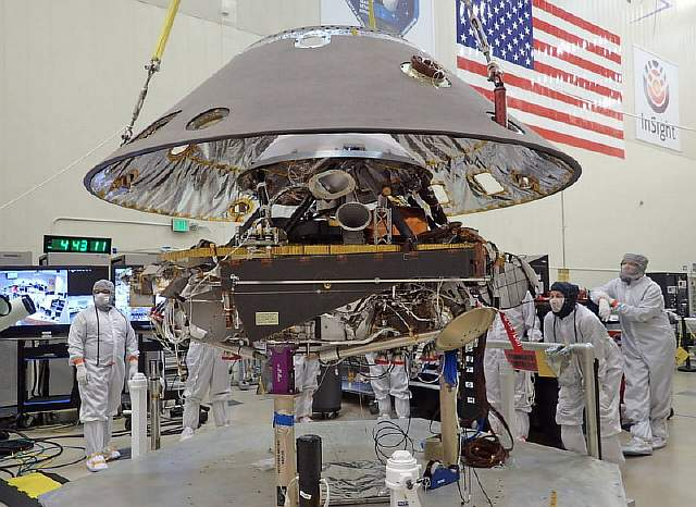 InSight in ATLO with back shell