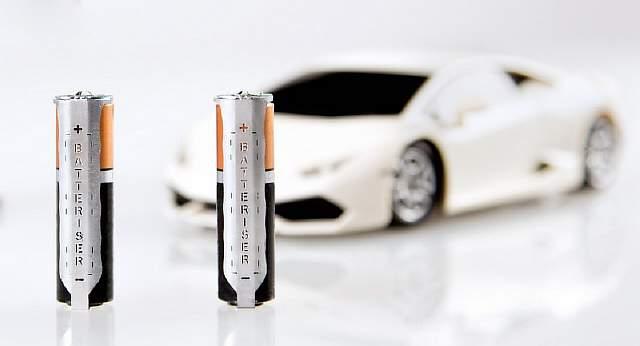 batterizer_toy_car-100588214-orig