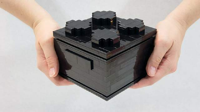 Micro-Lego-Computer-Handheld