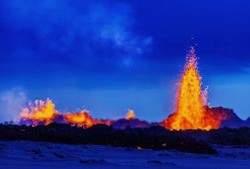 Iceland-Volcano-Lava-Flow-09-810x540