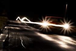 car_on_road_at_night-1280x800