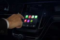 Volvo-and-Apple-CarPlay