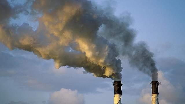 Используя новый катализатор, исследователи показали, что до 79 % углекислого газа, полученного из воздуха, можно превратить в метанол»