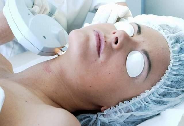 Laser-facials-xlarge_trans++qVzuuqpFlyLIwiB6NTmJwfSVWeZ_vEN7c6bHu2jJnT8