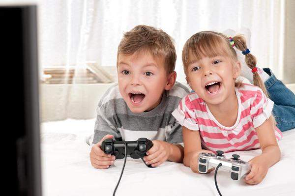 Playing-video-games-linked-to-higher-intellectual-function-school-competence