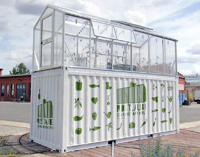 3-urban-farm-unit-1