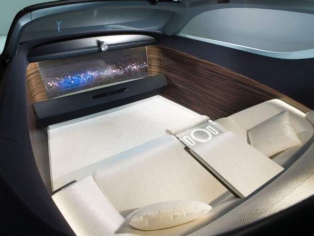 HT_Driverless_Rolls_Royce4_MEM_160617_4x3_992
