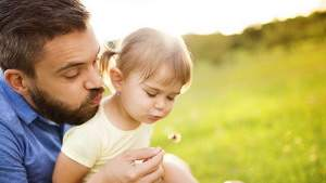 Отцы играют ключевую роль в развитии ребенка