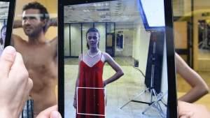 Приложение дополненной реальности «одевает» практически обнаженных моделей