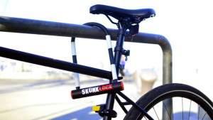 Велосипедный замок-вонючка распыляет на вора струю жидкости с тошнотворным запахом