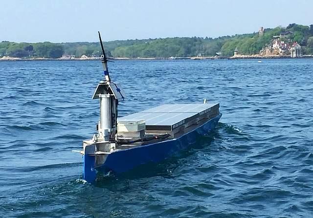 3+solar-voyager-boat