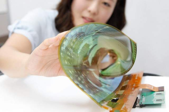 lg-rollable-oled-display-flexible-rollable-2-640x0