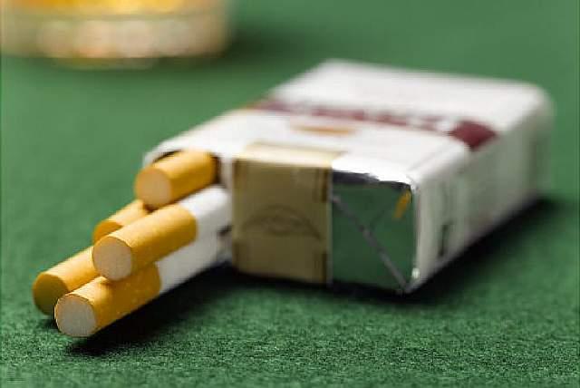 Подпись к изображению: Согласно недавно опубликованным исследованиям, «легкие» сигареты значительно увеличивают число случаев заболевания и смерти от аденокарциномы – одной из разновидностей рака легкого.