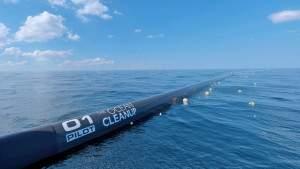 С тихоокеанским мусорным пятном справятся 50 погружённых в воду экранов