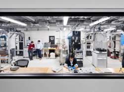 Подпись к изображению: Лаборатория IBM в Исследовательском центре имени Уотсона в Нью-Йорке.