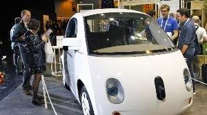 Покупатели автомобилей не в восторге от функций полуавтономного управления