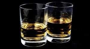 Исследователи научились получать алкоголь из воздуха