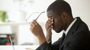 Короткий сон продолжительностью менее шести часов влияет на работоспособность — даже если человек чувствует себя отдохнувшим