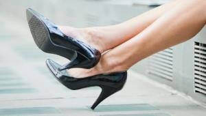 Снятие обуви при входе в дом и ежедневная влажная уборка помогут бороться с ожирением
