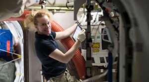 Новый способ получения в невесомости кислорода из воды найдёт применение в длительных космических полётах