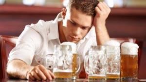 Чрезмерная выпивка в молодом возрасте может привести к инсульту и другим сердечным заболеваниям