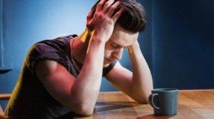 Застенчивые люди в большей степени страдают от «похмельного беспокойства»