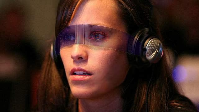 1024px-Augmented_reality_-_heads_up_display_concept